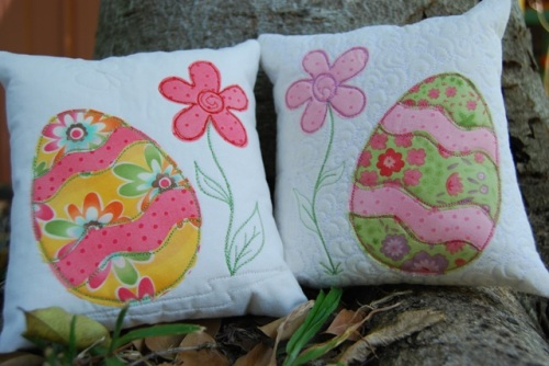 eastercushion1